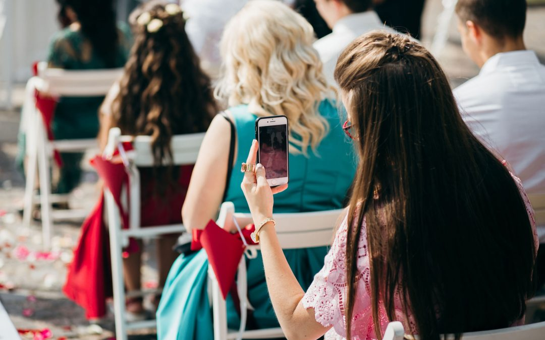 Social media or no social media for your Tipi wedding?