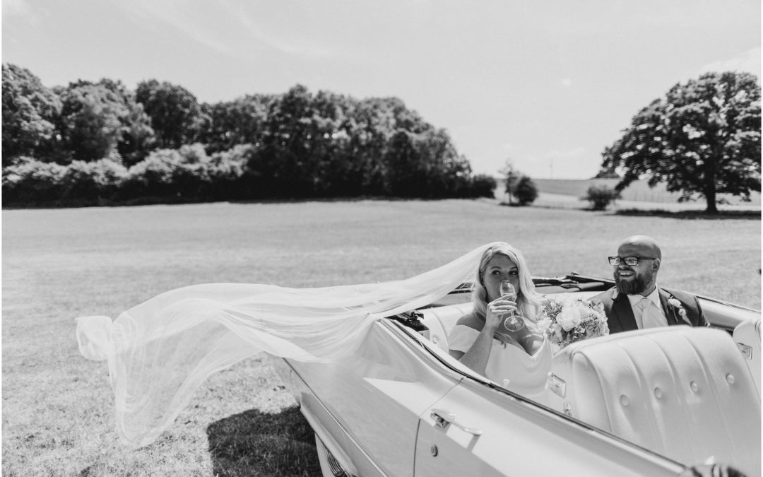 Get me to the church on time! How to choose your wedding transport