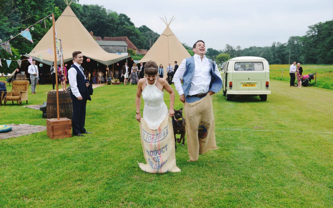 Outdoor games for those mid-wedding-lulls