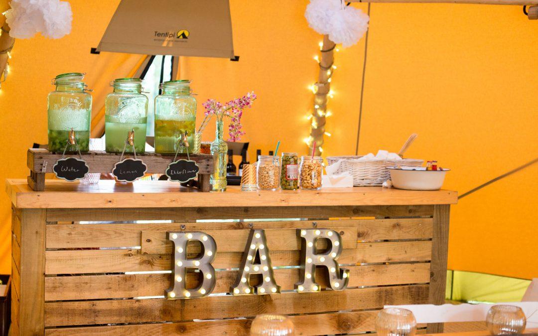 Setting up your bar – novel ideas for your Tipi bar area