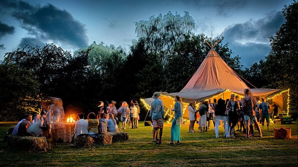 The benefits of a Tipi in a field!